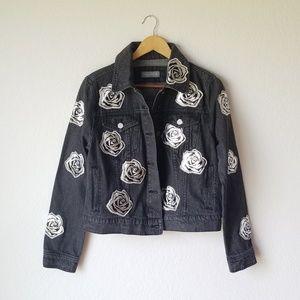 NWT Bagatelle Rose Applique Black Denim Jacket - M